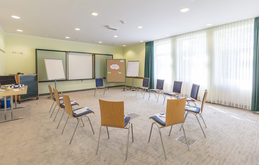 seminare-in-goch-sporthotel-de-poort-tagungsraum-moyland-1-1100x700