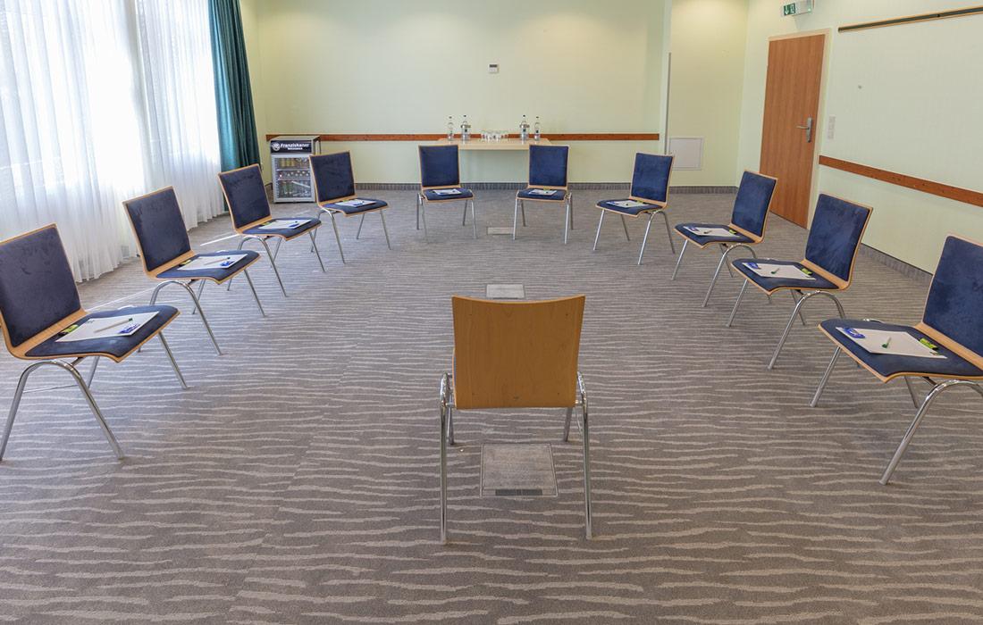 seminare-in-goch-sporthotel-de-poort-tagungsraum-moyland-2-1100x700