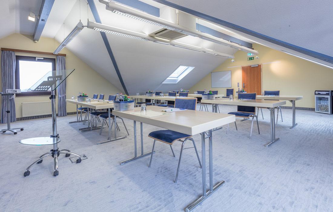 seminare-in-goch-sporthotel-de-poort-tagungsraum-xanten-1-1100x700